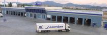 Μάντρα αποθεμάτων (στοκ) Veinsur Trucks