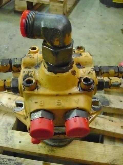 εκσκαφέας LIEBHERR 902 για ανταλλακτικό  Swing Motor