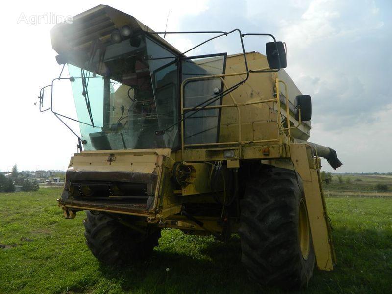θεριζοαλωνιστική μηχανή NEW HOLLAND TF46 για ανταλλακτικό  b/u zapchasti/ used spare parts