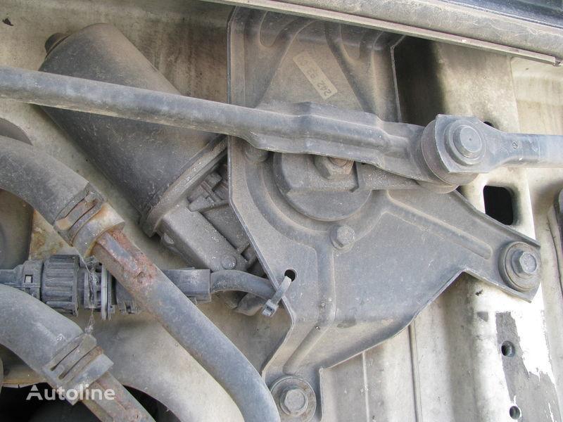 ελκυστήρας DAF για δοχείο νερού πλύσης  Mehanizm stekloochistitelya