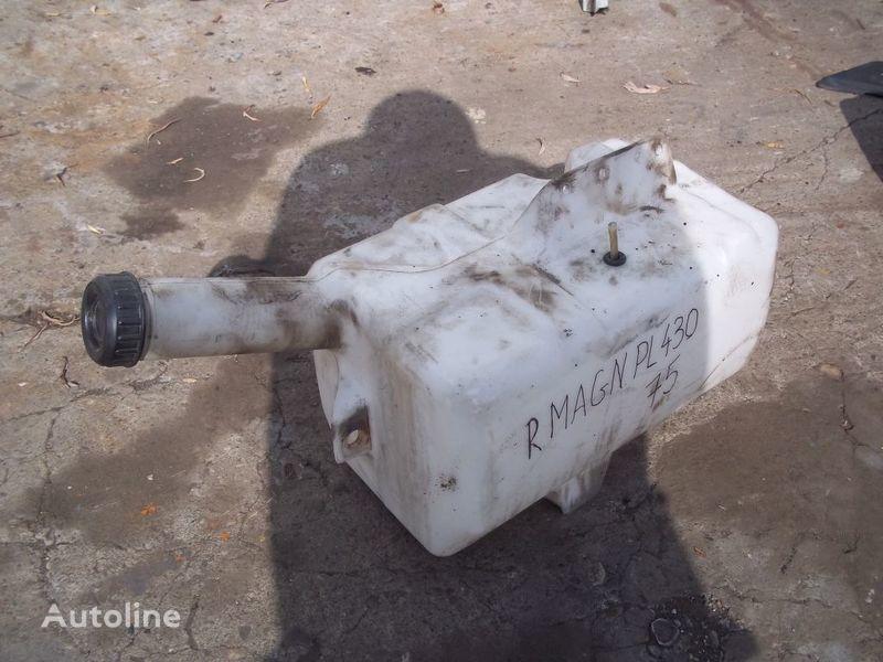 ελκυστήρας RENAULT Magnum για δοχείο νερού πλύσης