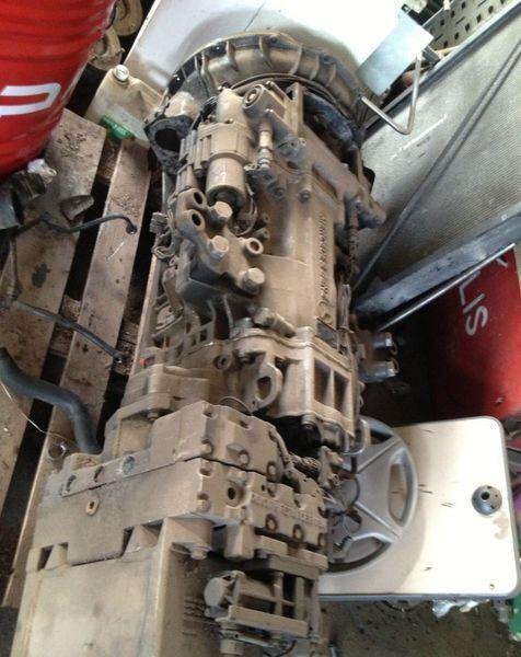 ελκυστήρας MERCEDES-BENZ Actros για κιβώτιο ταχυτήτων  Mercedes Actros 2001g 240-16