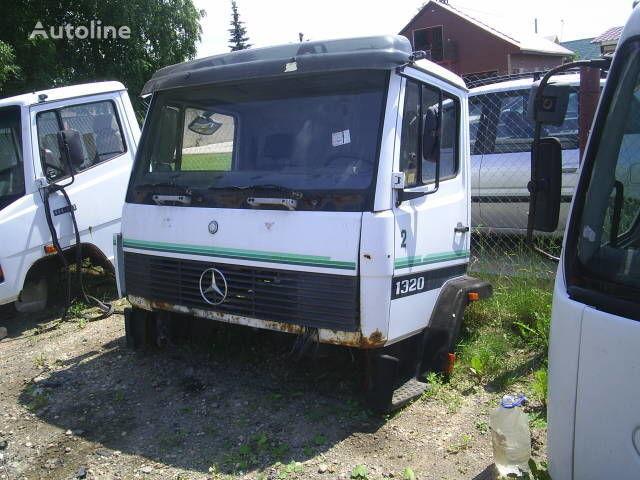 φορτηγό MERCEDES-BENZ 1324 για κουβούκλιο