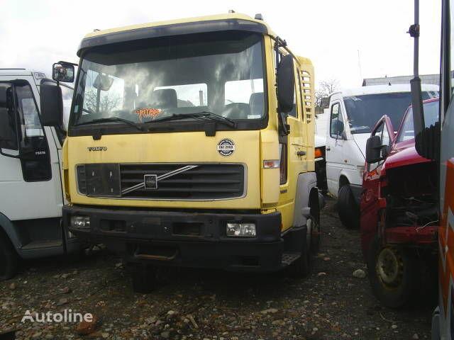 φορτηγό VOLVO FL 6-250 για κουβούκλιο