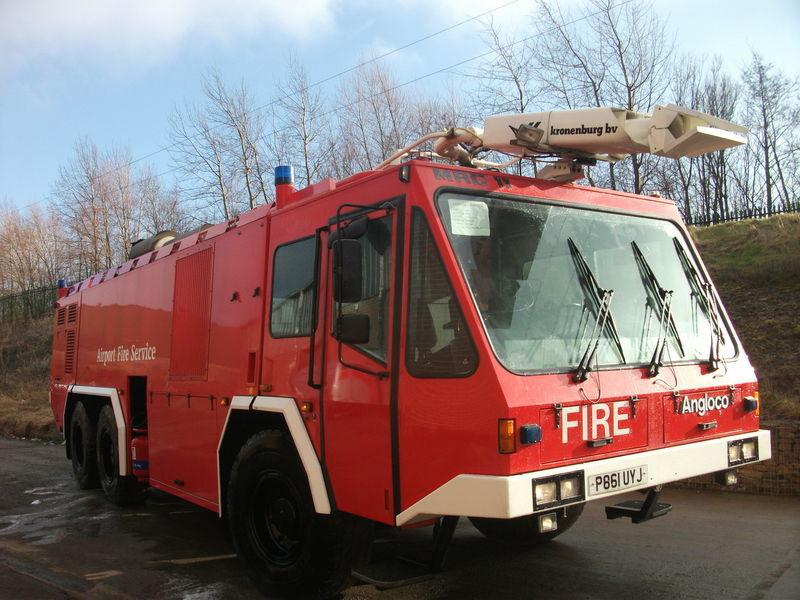 πυροσβεστικό όχημα ## FOR HIRE # ANGLOCO AIRPORT FIRE FIGHTING VEHICLE / KRONENBURG