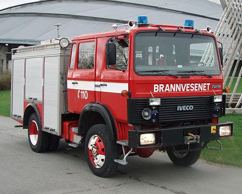 υδροφόρο πυροσβεστικό όχημα IVECO 80-16 4x4 WD