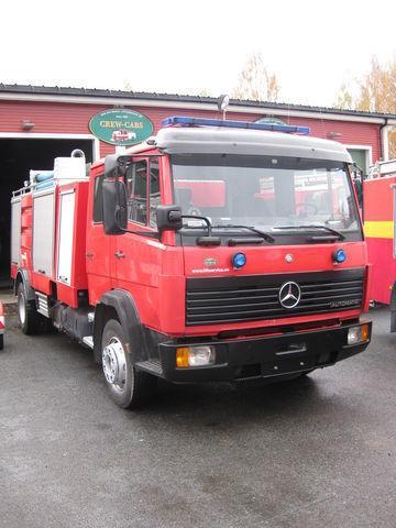 υδροφόρο πυροσβεστικό όχημα MERCEDES-BENZ 1320