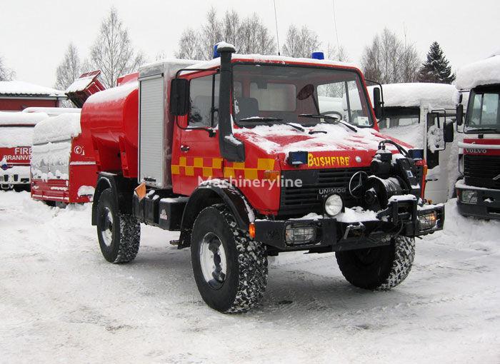 υδροφόρο πυροσβεστικό όχημα MERCEDES-BENZ Unimog U-1300 4x4 WD