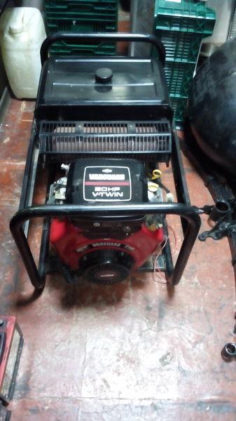 γεννήτρια SDMO Briggs&Stratton Vanguard 570ccm 20HP V Twin