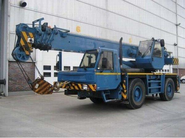 κινητός γερανός PPM ATT 400
