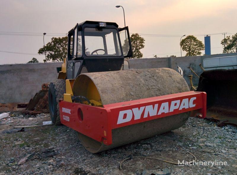 οδοστρωτήρας γαιών DYNAPAC CA25D