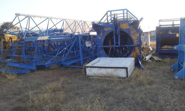οικοδομικός γερανός (πυργογερανός) POTAIN 775 A opcion base y jaula de telescopaje
