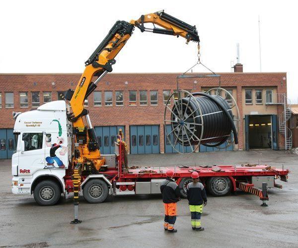 καινούριο γερανοφόρο φορτηγό PALFINGER PK 85002 serii High Perfomance
