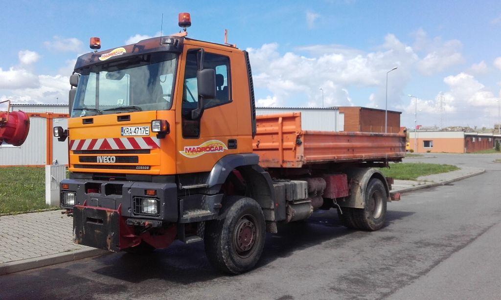 ανατρεπόμενο φορτηγό IVECO Trakker