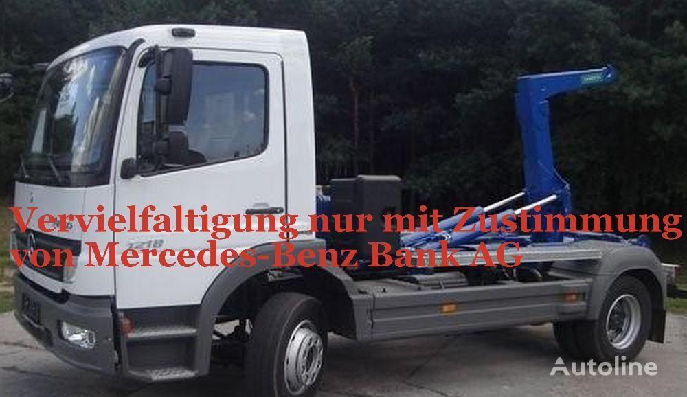 φορτηγό φορτωτής με γάντζο MERCEDES-BENZ Atego 1218