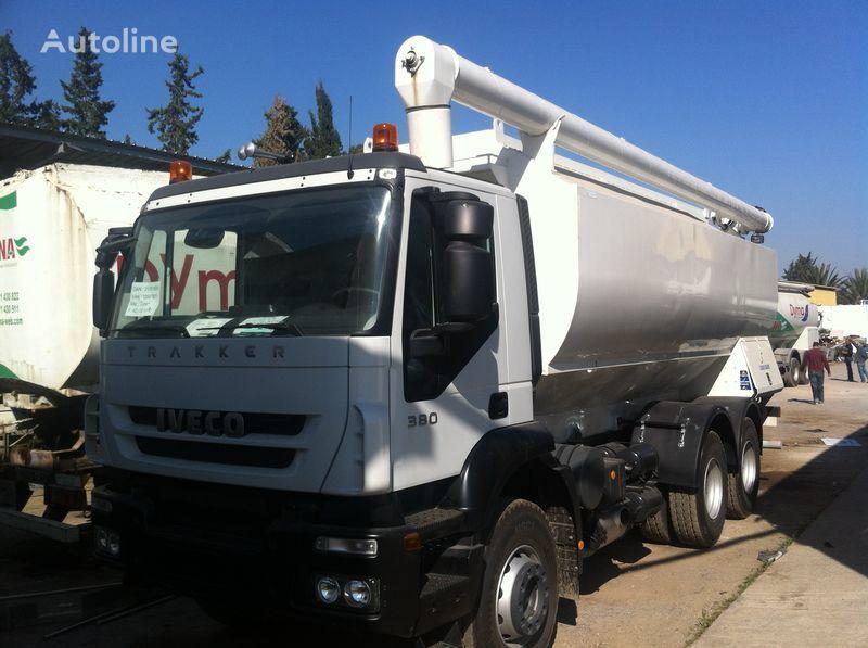 καινούριο φορτηγό μεταφοράς σιλό IVECO Trakker