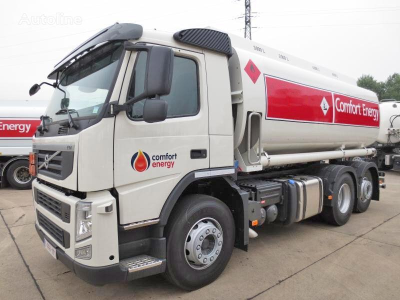 βυτιοφόρο φορτηγό μεταφοράς καυσίμου VOLVO