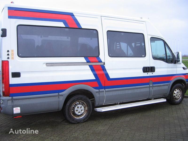 μικρό επιβατικό λεωφορείο IVECO 35S17  nr. 263