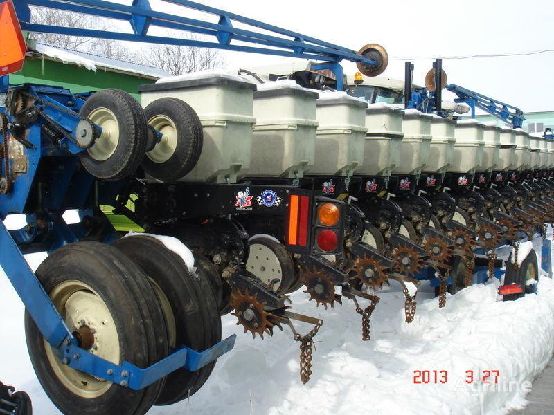 μηχανική σπαρτική μηχανή ακριβείας KINZE 3600
