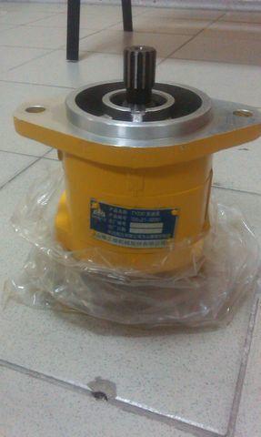 καινούριο μπουλντόζα για ανταλλακτικό  Nasos transmissii SHANTUI SD23