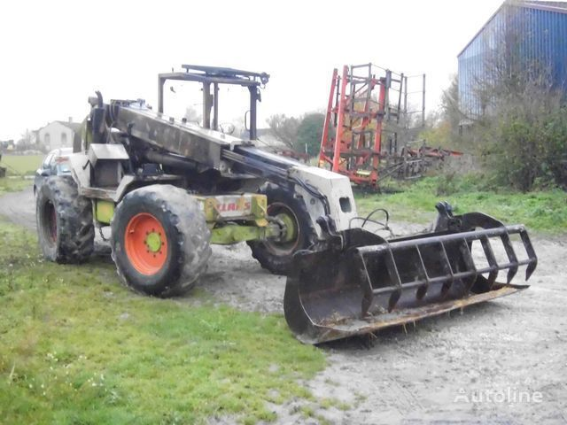 ανυψωτικά μηχανήματα CLAAS 907 T για ανταλλακτικό b/u zapchasti / used spare parts CLAAS