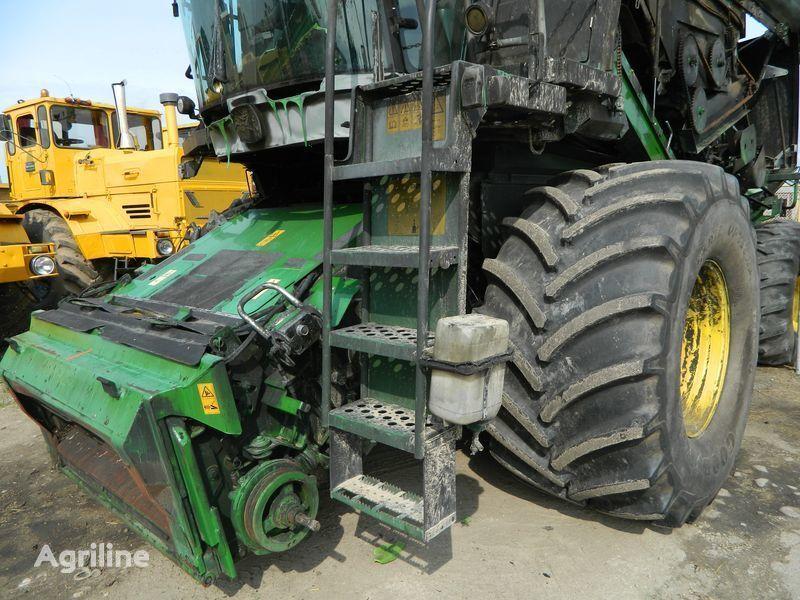 θεριζοαλωνιστική μηχανή JOHN DEERE WTS 9640i για ανταλλακτικό b/u zapchasti / used spare parts JOHN DEERE