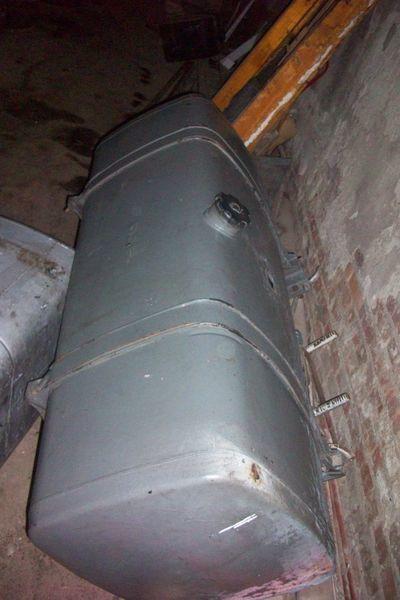 τράκτορας DAF για δεξαμενή καυσίμου DAF 650