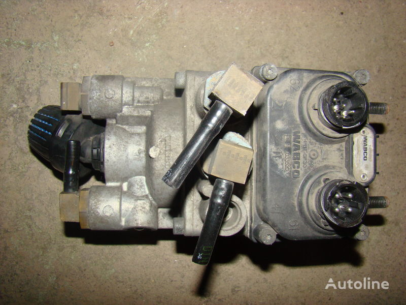 ελκυστήρας DAF 105XF για γερανός  DAF 105XF foot brake valve 1455027