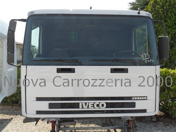 φορτηγό IVECO TRAKKER για κουβούκλιο IVECO