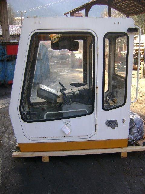 εκσκαφέας LIEBHERR 942 Cab για κουβούκλιο  Cab LIEBHERR