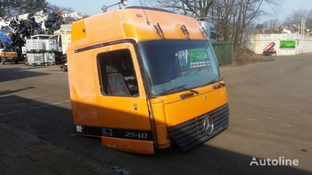 φορτηγό MERCEDES-BENZ 2540 για κουβούκλιο