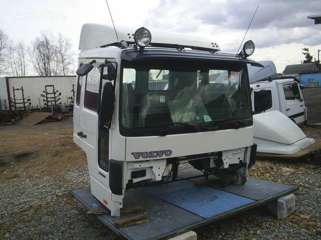 φορτηγό VOLVO FLC για κουβούκλιο
