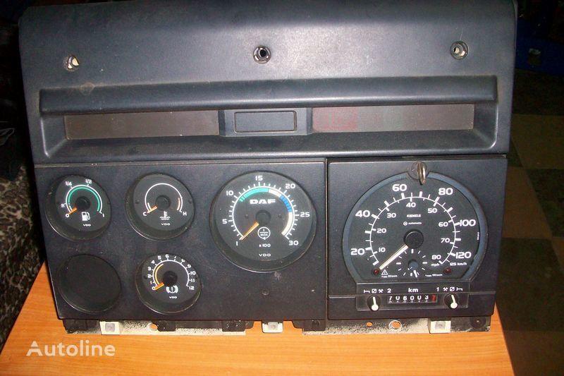 τράκτορας DAF  XF,CF για πίνακας οργάνων DAF CF-85