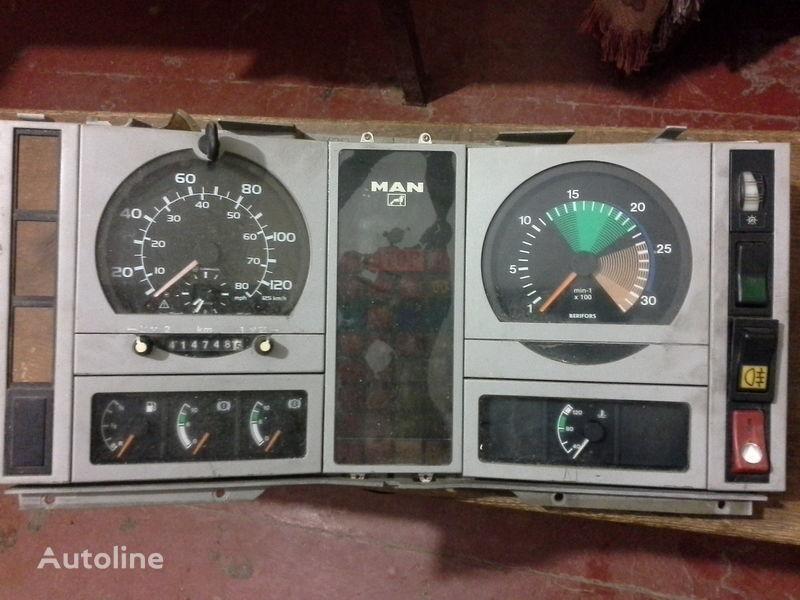 φορτηγό MAN  L2000 για πίνακας οργάνων