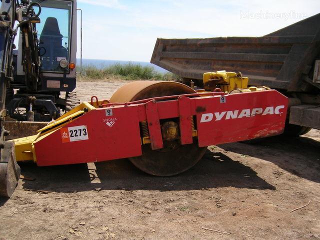 ρυμουλκούμενος οδοστρωτήρας DYNAPAC