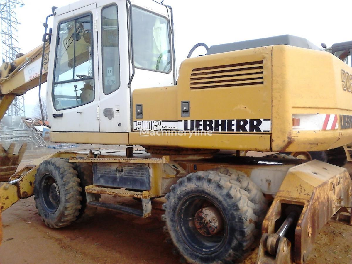 τροχοφόρος εκσκαφέας LIEBHERR A902 Litr.4P
