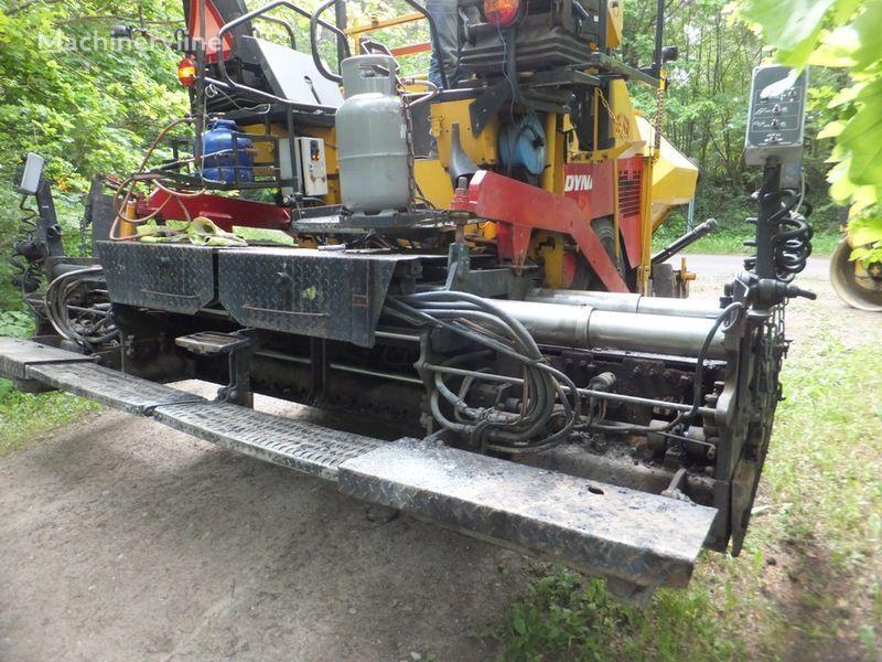 τροχοφόρος οδοστρωτήρας ασφάλτου DYNAPAC F8-4W