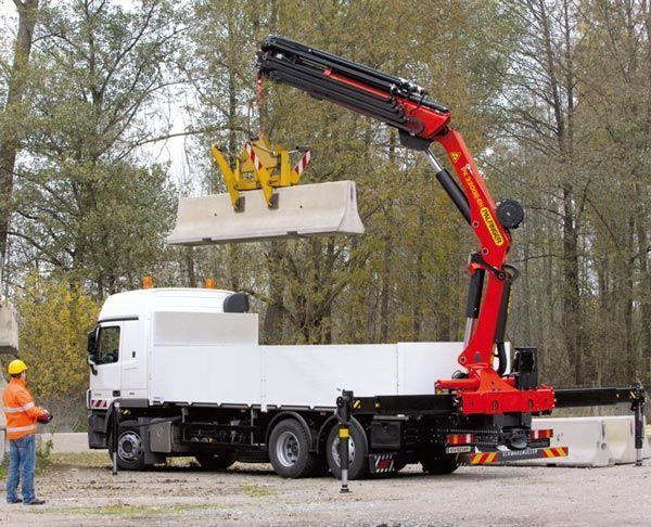 καινούριο γερανοφόρο φορτηγό PALFINGER PK 33002-EH High Perfomance