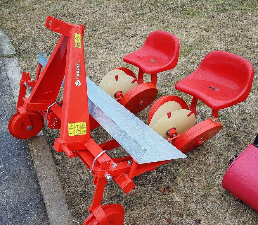 καινούρια μεταφυτευτική μηχανή KITA- Daigų sodinamoji, seeders / planters