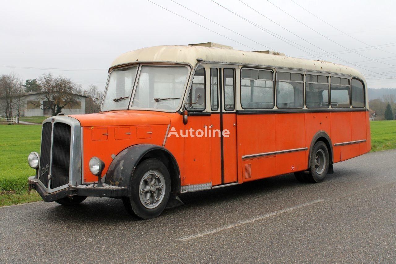 προαστιακό λεωφορείο BERNA Saurer
