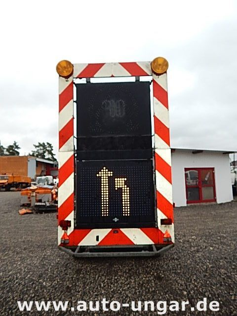 ρυμουλκούμενο καρότσα SCHMITZ Schiffner &amp Verkehrsleittafel LED